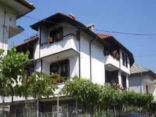 Къща за гости Младенова къща - снимка 1