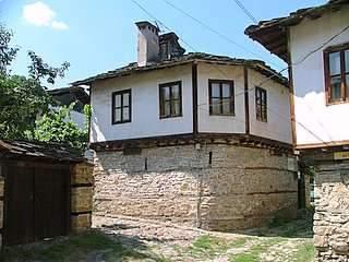 Тинковата къща - снимка 1
