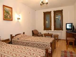 Хотел Аджев хан - снимка 3