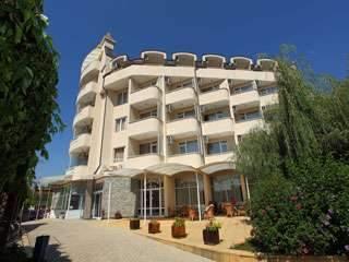 Хотел Аврора