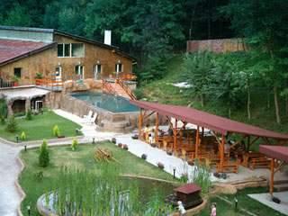 Ваканционно селище Манастира - снимка 1