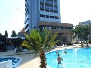 Хотелски комплекс Каменец