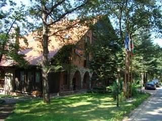 Хотел Извор