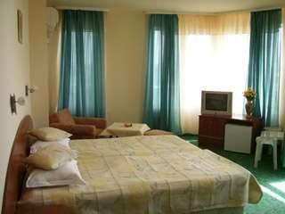 Хотел Лазурен бряг - снимка 3