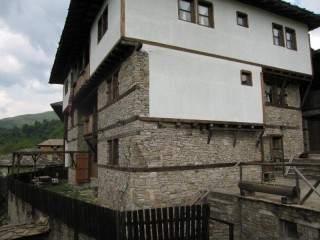 Бялата къща - снимка 1