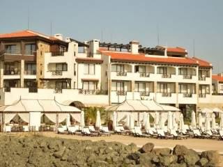 Хотел Малтийски замък - снимка 1