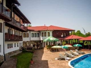 Хотелски комплекс Костел - снимка 1