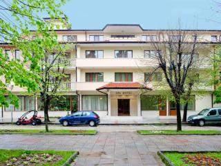 хотел Съни Гардън - снимка 1