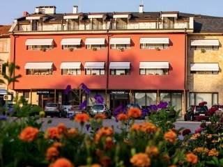 Хотел Паравион - снимка 1