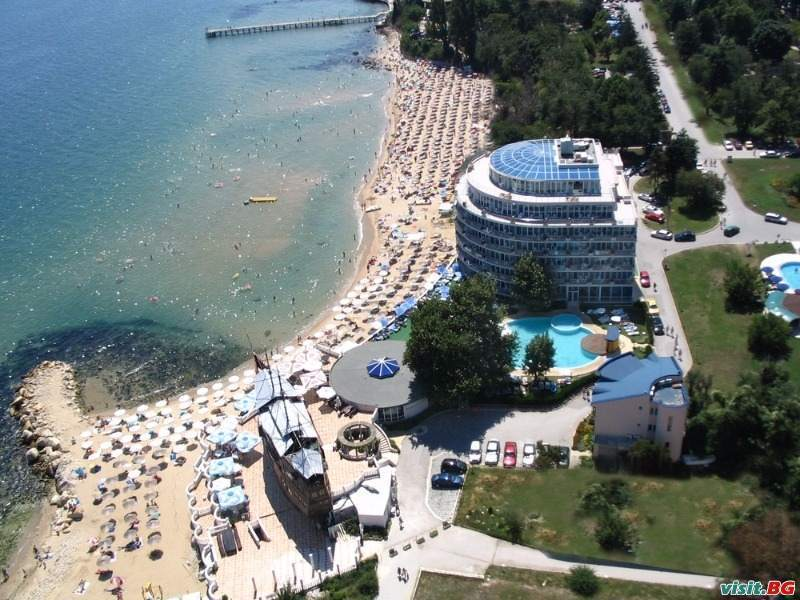 Зимно море със СПА на морския бряг, оферта със закуски и вечери в Сириус Бийч, Св. Константин и Елена