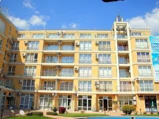 Апарт хотел Флорес Парк - снимка 1