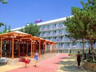 Хотел Магнолия Стандарт - снимка 1