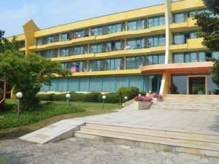 Хотел Амбасадор - снимка 1