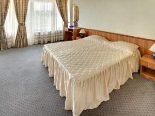 Хотел Казанлък - снимка 2