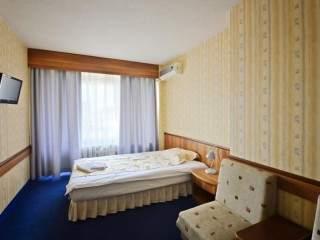 Хотел Казанлък - снимка 3