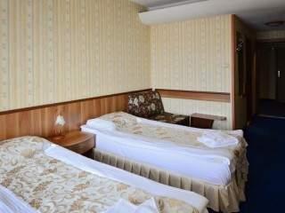 Хотел Казанлък - снимка 4