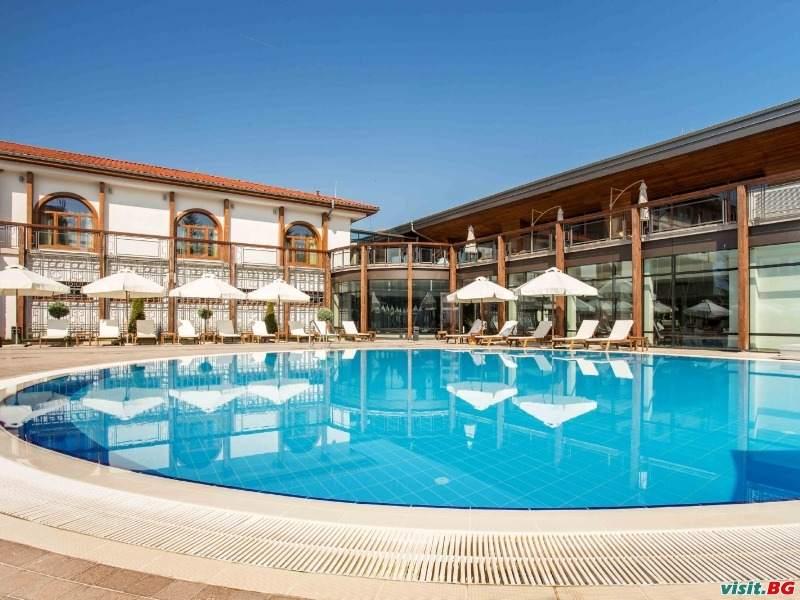 От октомври до декември на СПА в Хотел Каменград, Панагюрище стая за двама през уикенда